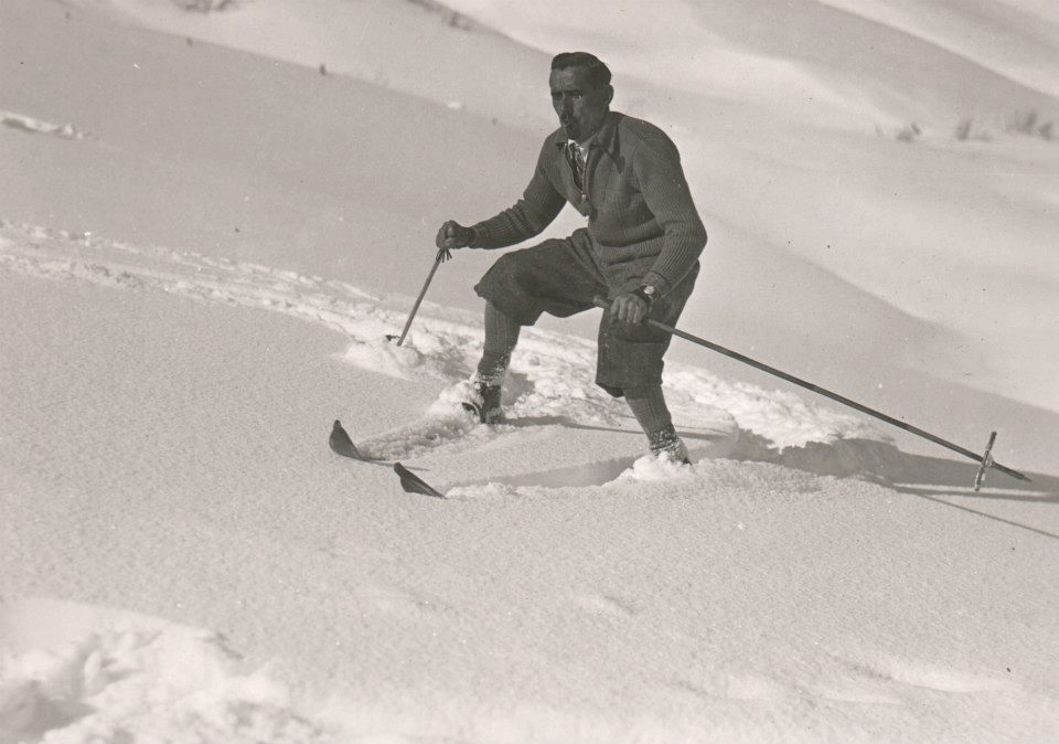 Skier days gone by Hauts Hameaux Val D'Isere