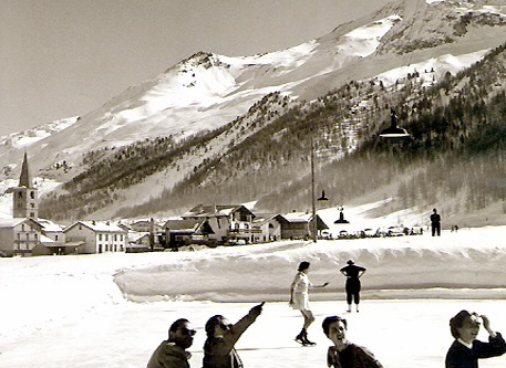 Ice skating Hauts Hameaux Val D'Isere